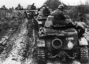 French tanks move to the front towards Sedan